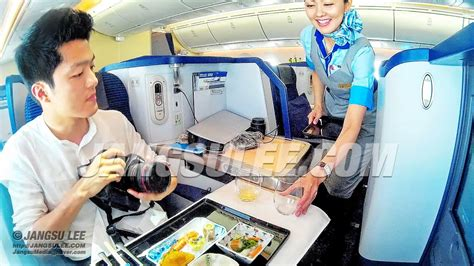 ANA Cabin Crew : Service from the Heart! (Best Cabin Crew