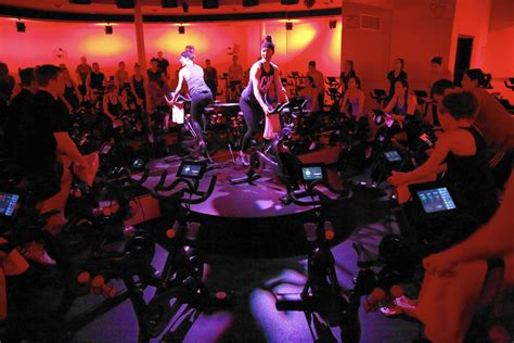 Peloton virtual cycling classes can help you pedal off
