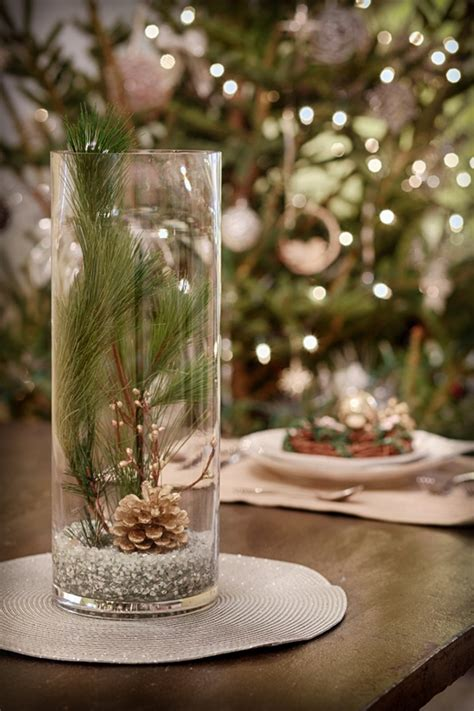 Wintery Holiday Centerpiece | Holiday centerpieces, Winter